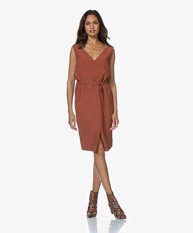 studio .ruig Juni Sleeveless Twill Dress - Terracotta