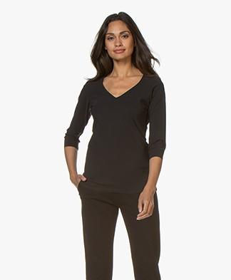 studio .ruig Tenue Tech Jersey V-neck T-shirt - Black