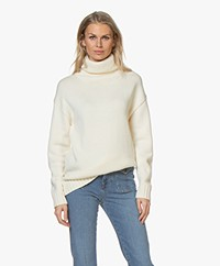 Joseph Sloppy Joe Wool Turtleneck Sweater - Off-white