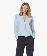 Closed Darcy Linnenmix Splithals Blouse - Lichtblauw