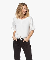 studio .ruig Tine Viscose Blouse met Strikzoom - Off-white