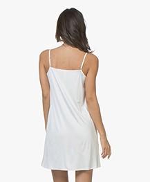 HANRO Satin Deluxe Onderjurk - Off-white