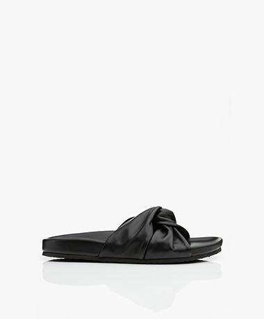 Closed Kyomi Leren Slippers - Zwart