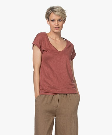 by-bar Mila Linen V-neck T-shirt - Bright Plum