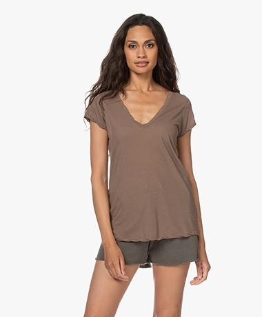 James Perse V-hals T-shirt in Extrafijne Jersey - Hazel