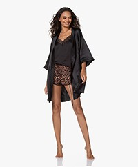 By Dariia Day Mulberry Zijden Kimono - Midnight Black