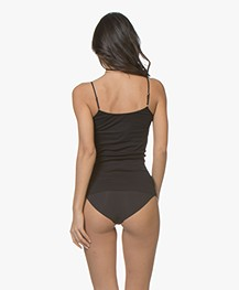 HANRO Cotton Seamless R-neck Spaghetti Strap Top - Black