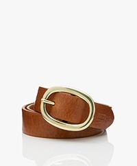 Closed Leather Belt with Oval Buckle - Pale Walnut