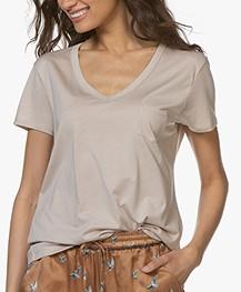 Repeat Lyocell V-hals T-shirt - Lichtbeige