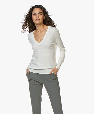 Filippa K Silk Mix V-Neck Trui - Off-white
