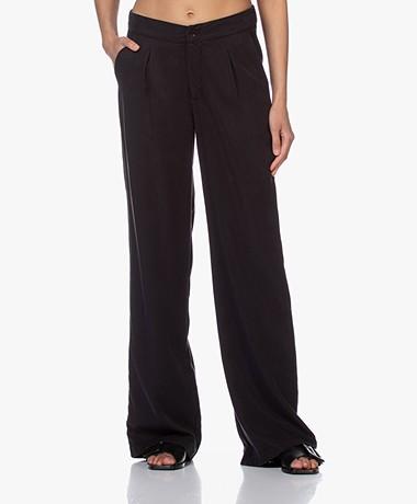 JapanTKY Yukana Tencel Pleated Pants - Black
