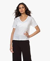 Closed High-cause V-neck T-shirt - White
