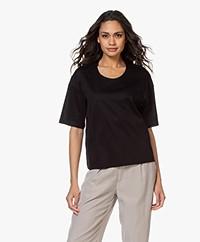 Filippa K Lois T-shirt met Halflange Mouwen - Zwart