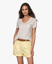 Repeat Lyocell Jersey V-hals T-shirt - Desert