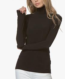 Norma Kamali Slim-fit Turtleneck Long Sleeve - Black