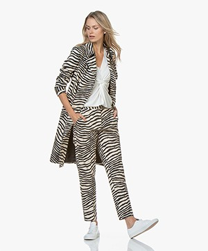 By Malene Birger Rainie Zebraprint Trenchcoat - Dry Desert