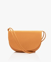 Monk & Anna Soma Half Moon Vegan Cross-Body Tas - Honey