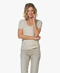 Repeat Stretch Katoenen V-hals T-shirt - Desert