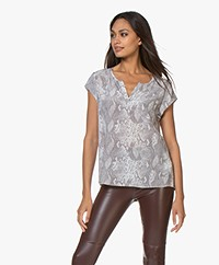 Repeat SilkTop with Snake Print - Off-white/Grey