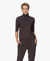 Woman by Earn Maartje Bonded Tech Jersey Colshirt - Donkerbruin