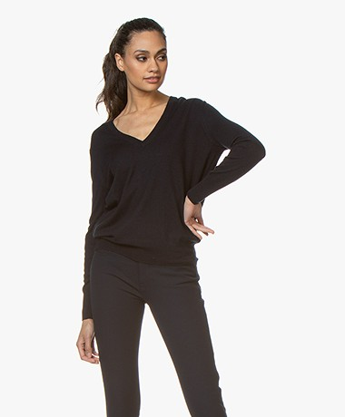 Filippa K Silk Mix V-Neck Trui - Navy