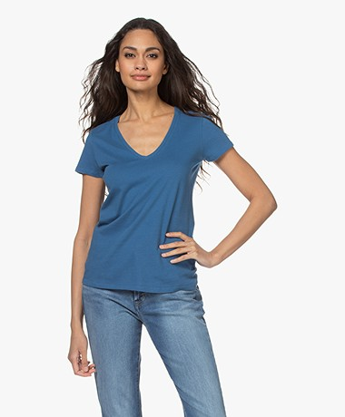 Majestic Filatures Julia Deluxe Katoenen V-hals T-shirt - River Blue