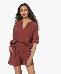 Shades Antwerp Rose Katoenen Mousseline Blouse - Steenrood