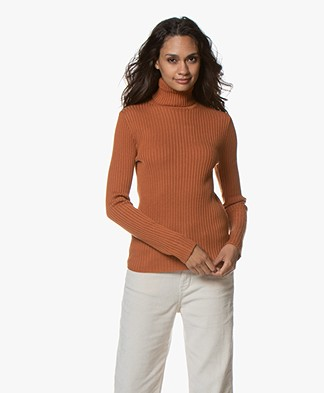 MKT Studio Kehdive Rib Turtle Neck Sweater - Camel