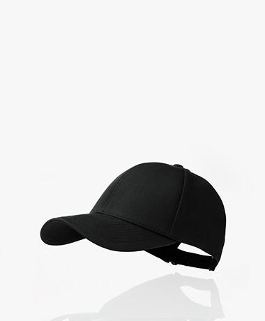 Varsity Headwear Oilskin Pet - Zwart