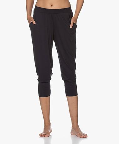 HANRO Yoga Cropped Modal Jersey Broek - Zwart