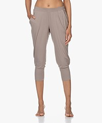 HANRO Yoga Cropped Modal Jersey Pants - Taupe