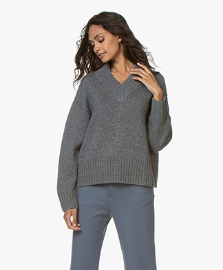 Joseph V-neck Wool-Cashmere Blend Sweater - Dark Grey