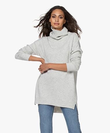 Resort Finest Selva Cashmere Blend Sweater - Grey Melange