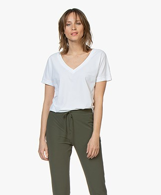 Josephine & Co Reiza Travel Jersey V-Neck T-Shirt - White