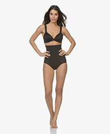 SPANX® OnCore High-Wasted Slip - Zwart
