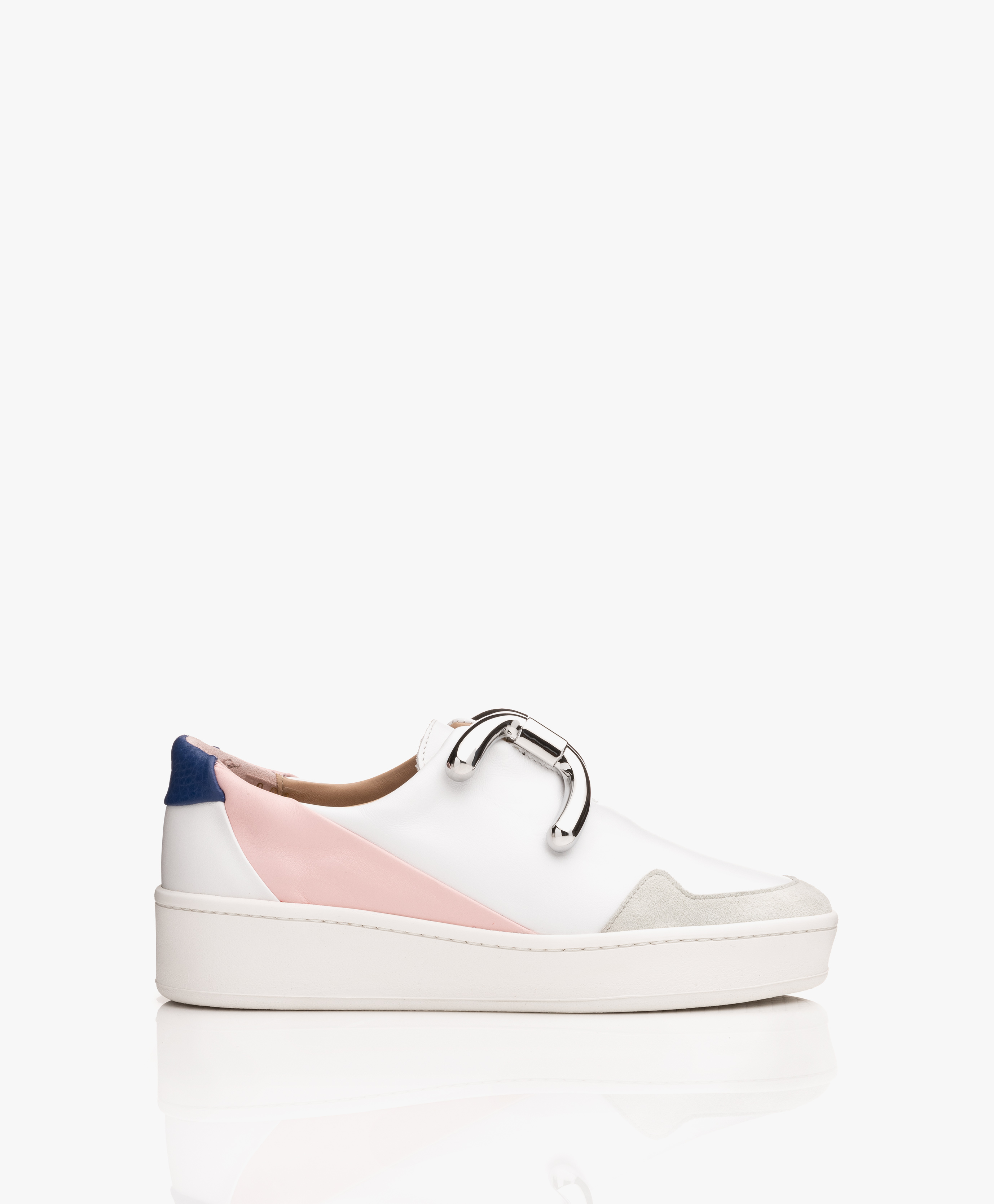 Immagine di An Hour And A Shower Sneakers Knot Camp Slip on in White/Blue/Pink/Silver