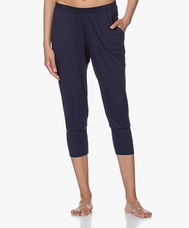 HANRO Yoga Cropped Modal Jersey Pants  -  Deep Navy