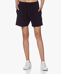 extreme cashmere N°29 Short Cashmere Knitted Shorts - Navy