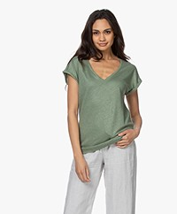 by-bar Mila Linnen V-hals T-shirt - Olive