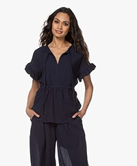 By Malene Birger Catja Mousseline Blouse met Volantmouwen - Night Sky