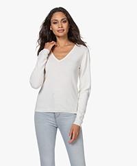 Resort Finest Via V-neck Pullover - Off-white