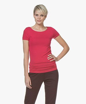 Majestic Filatures Soft Touch T-shirt met Ronde Hals - Cherry