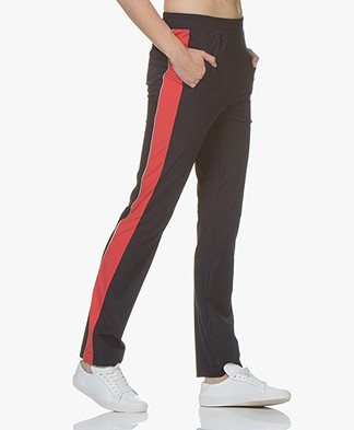 no man's land Travel Jersey Side Stripe Pants - Dark Sapphire/Red