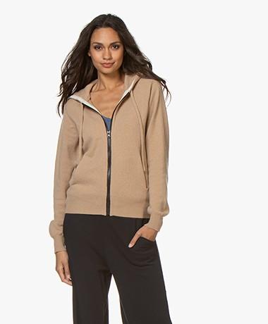 extreme cashmere N°42 Hood Cashmere Gebreid Vest - Camel