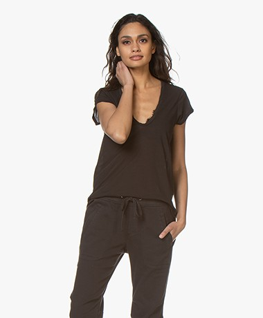 James Perse V-neck T-shirt in Extrafine Jersey - Carbon