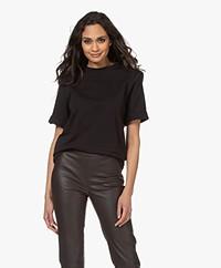 Resort Finest Santo T-shirt met Schoudervulling - Zwart