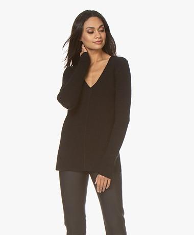 By Malene Birger Lana V-neck Sweater in Alpaca and Wool - Black