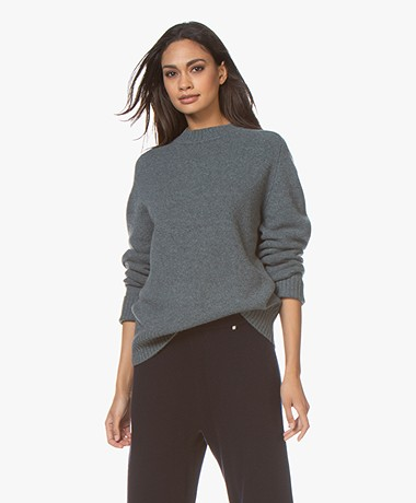 extreme cashmere N°123 Bourgeois R-hals Cashmere Trui - Wave