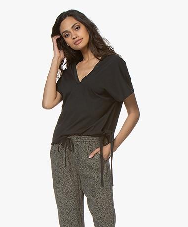 Pomandère Boxy T-Shirt met V-Hals - Zwart