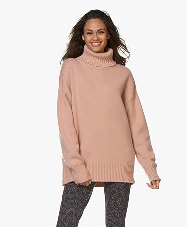 extreme cashmere N°20 Oversize Turtleneck Cashmere Sweater - Tea Rose